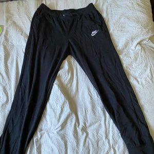 black nike joggers sweatpants